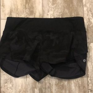 "Size 6 Speed Short-black camo 2"" inseam"